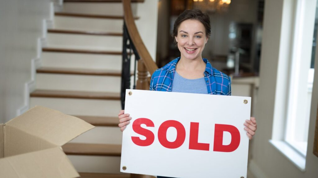 Should I buy and sell a house in the 2021 housing market?